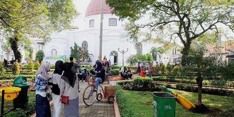 Libur Lebaran Semarang Pilihan Hotelnya Kompas Wisatawan Mengunjungi Taman Srigunting