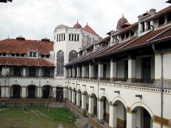 Tempat Wisata Lawang Sewu Semarang Bangunan Bersejarah Peninggalan Kab