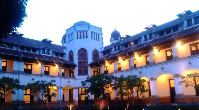 Top 3 Benarkah Kerajaan Ular Semarang Lawangsewu Regional Gedung Kota