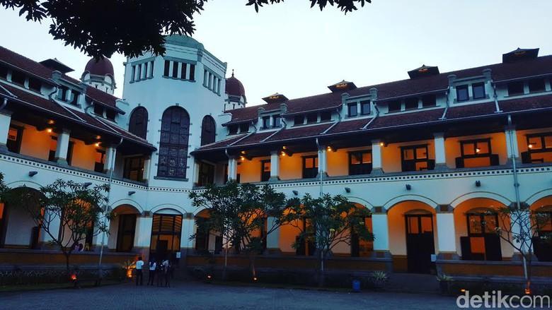 Wisata Mistis Lawang Sewu Semarang Tak Kab