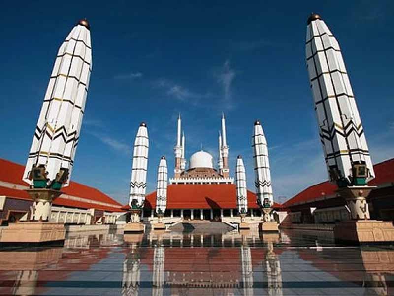 12 Obyek Wisata Semarang Patut Dikunjungi 1 Masjid Agung Jawa