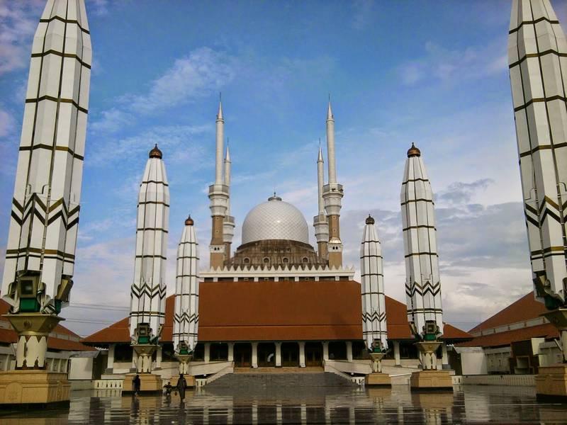 Foto Masjid Agung Jawa Tengah Depan Javaloka Kab Semarang