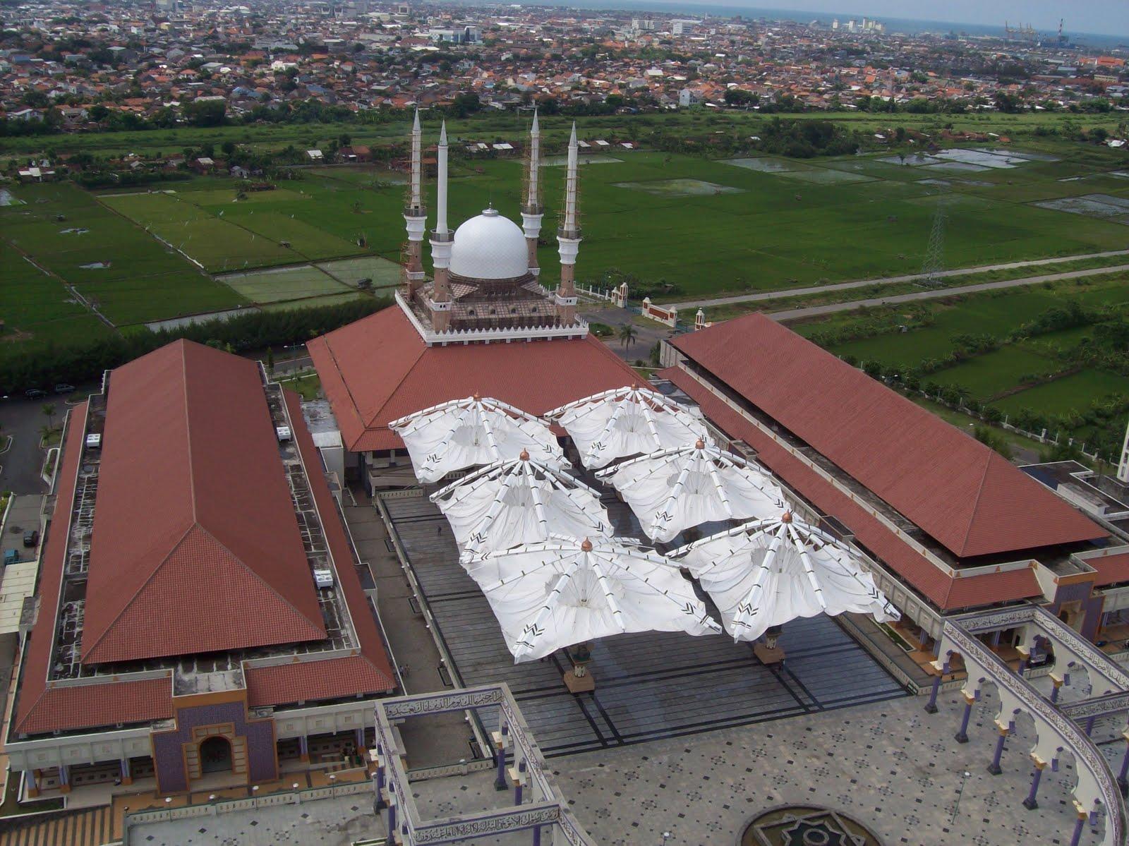 Masjid Agung Jawa Tengah Bumi Nusantara Terletak Jalan Gajah Raya