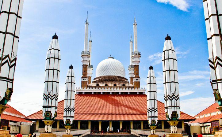 Masjid Agung Jawa Tengah Semarang Indahnya Mirip Masjidil Haram Mekkah