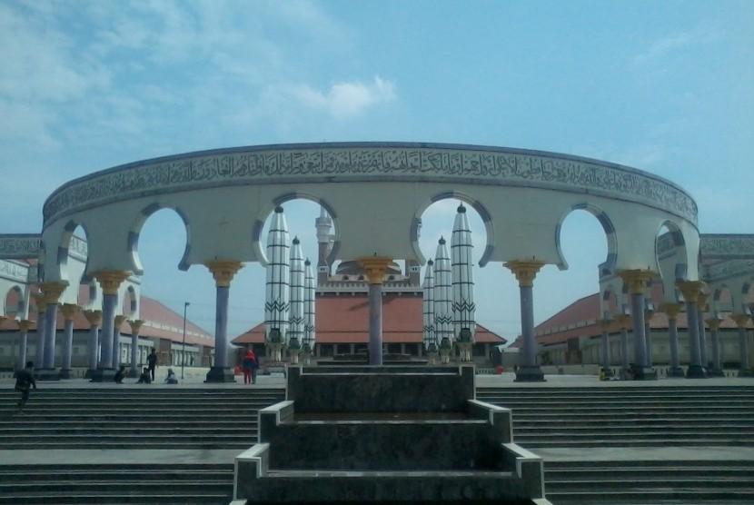 Perpaduan Tiga Budaya Masjid Agung Jateng Republika Online Jawa Tengah