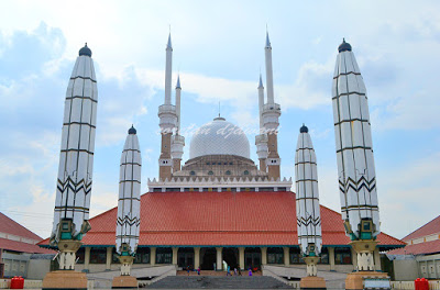 Pesona Masjid Agung Jawa Tengah Kab Semarang