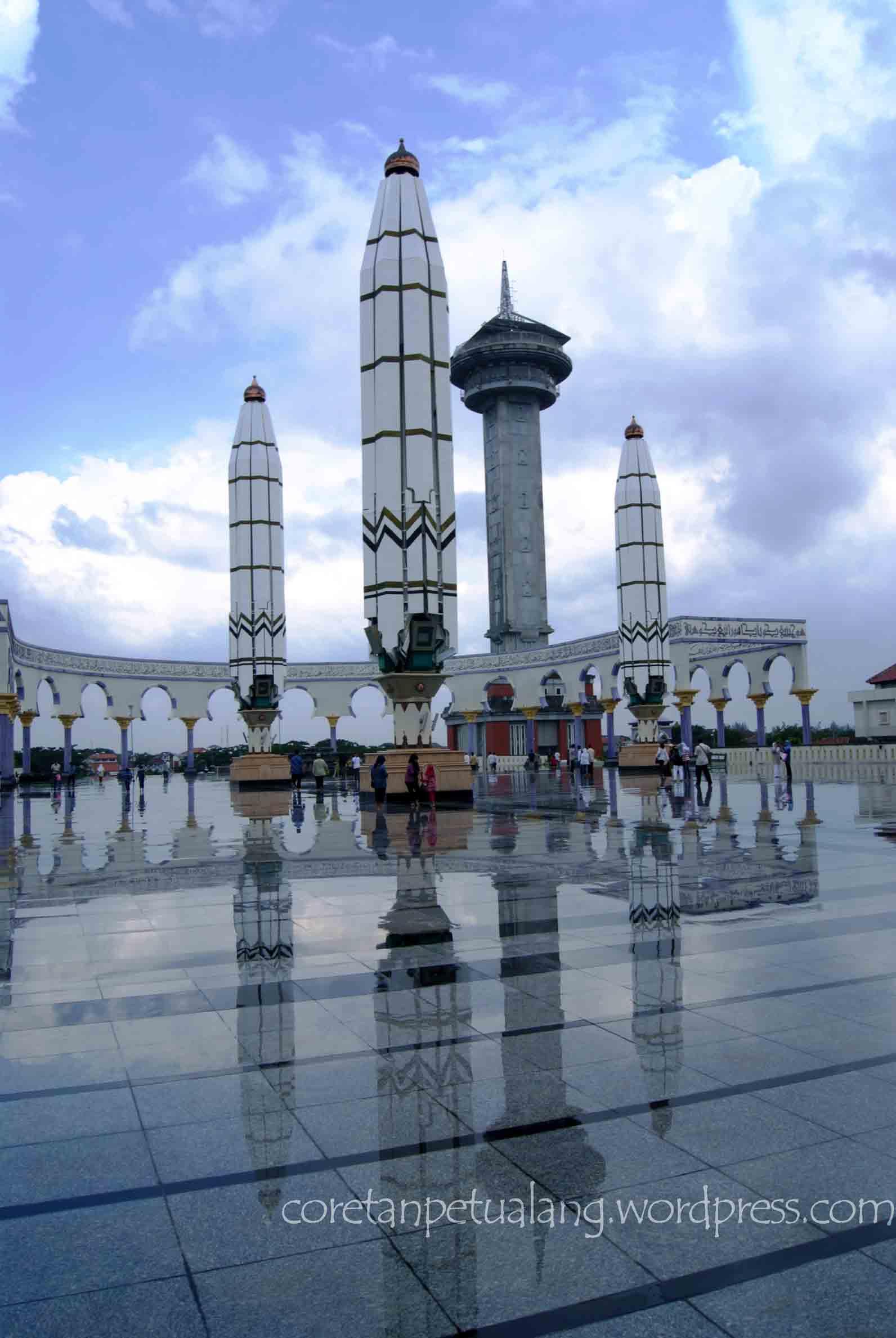 Places Semarang Coretanpetualang Blog Masjid Agung Jawa Tengah Habis Hujan