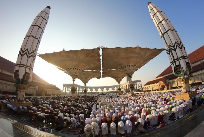Saatnya Indonesia Miliki Tv Islam Berskala Nasional Ribuan Umat Mengikuti