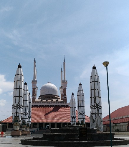 Semarang Coret Menikmati Indahnya Masjid Agung Jateng Berarsitektur Gaya Jawa