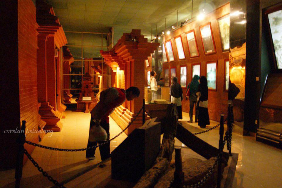 Yuk Tengok Isi Menara Masjid Agung Jateng Coretanpetualang Blog Museum
