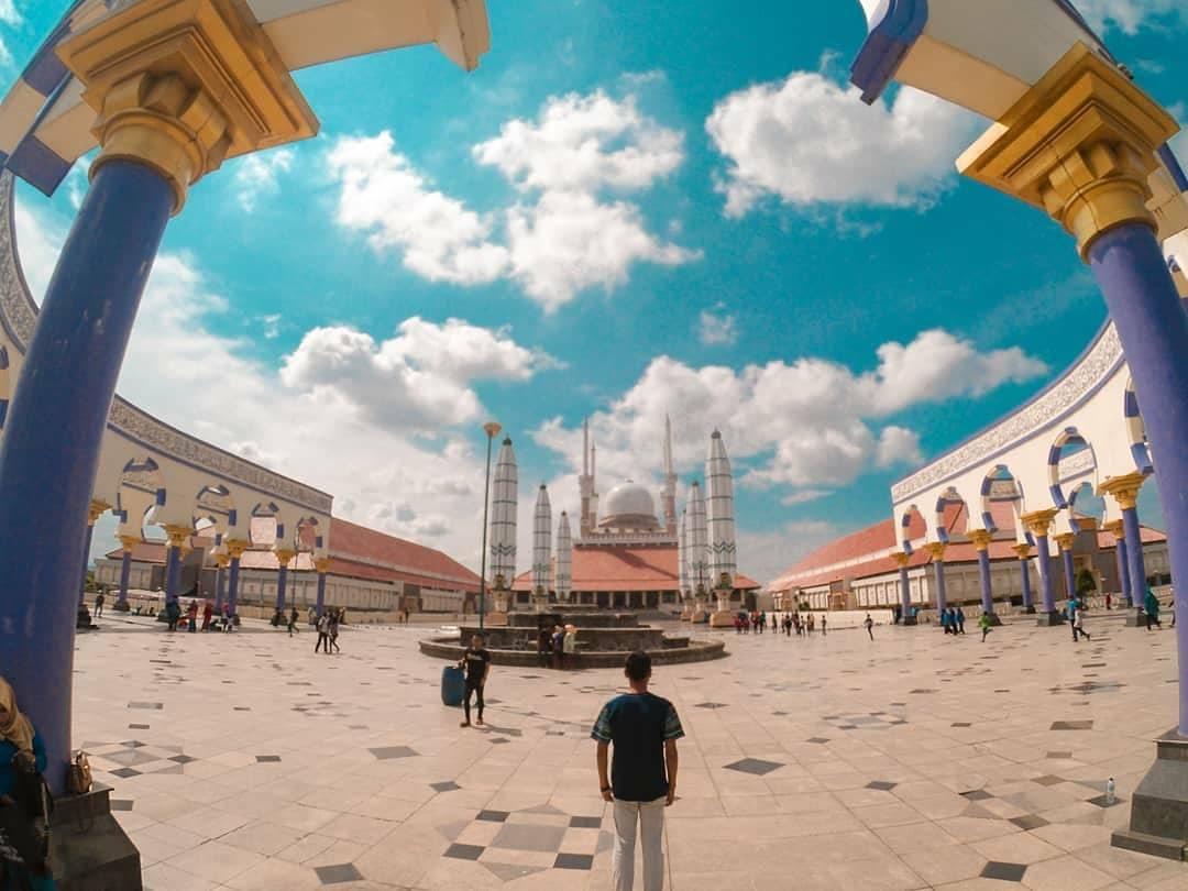 12 Spot Wisata Semarang Ngehits Kekinian Kebanggaan Jawa Tengah Masjid
