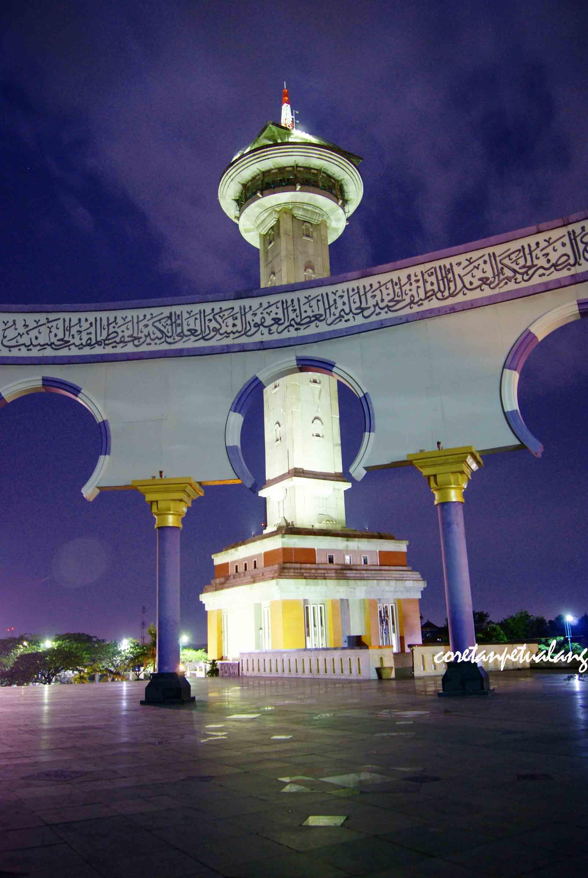 Masjid Agung Jawa Tengah Megah Malam Hari Coretanpetualang Blog Ornamen