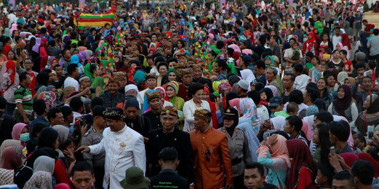 Dugderan Pesta Budaya Semarang Sambut Bulan Ramadhan Kompas Karnaval Dimulai