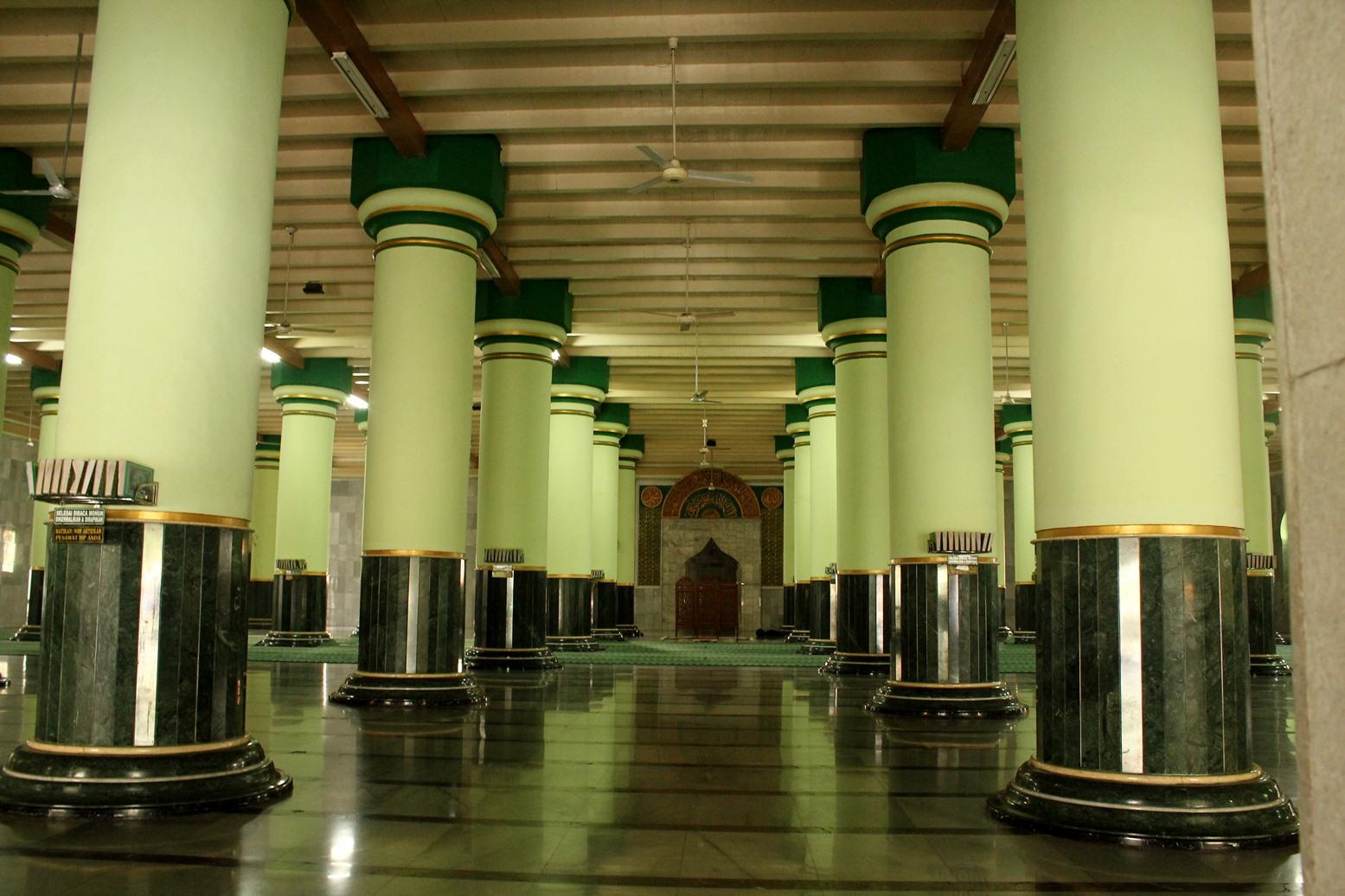 Masjid Besar Kauman Semarang Satu Satunya Mengumumkan Kab