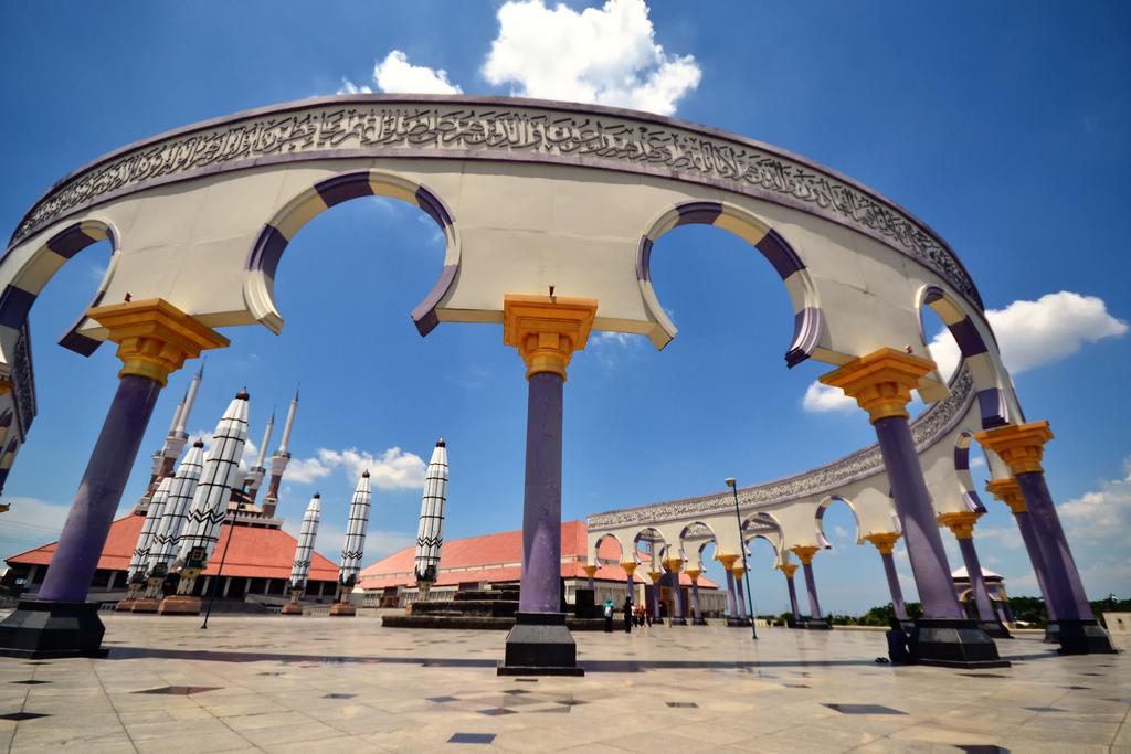Wisata Masjid Agung Jawa Tengah Semarang Tempat Pendanaan Berasal Pemerintah