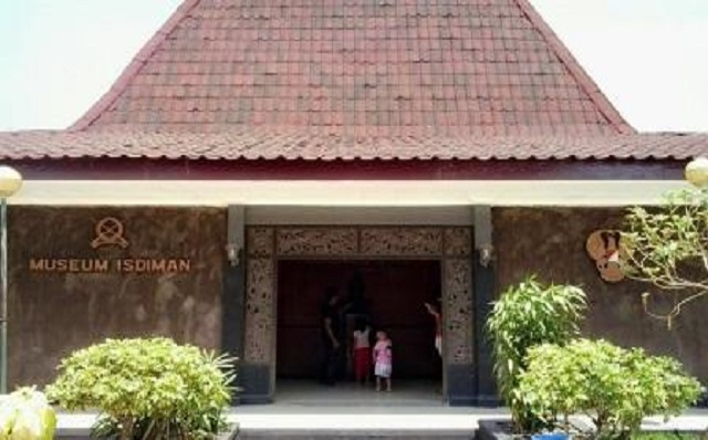 8 Wisata Ambarawa Menarik Dikunjungi Liburan Monumen Palagan Kab Semarang