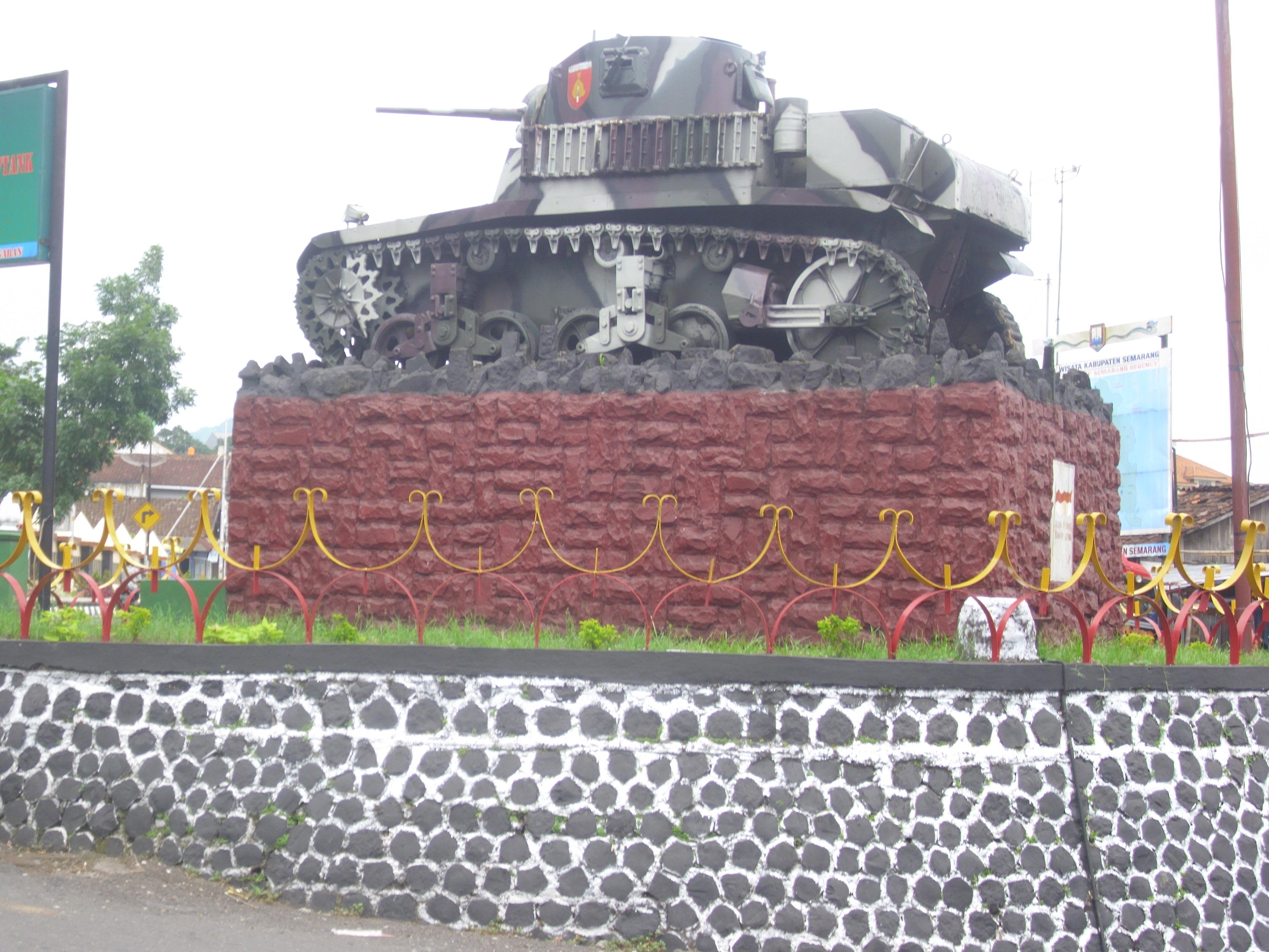 Membuka Penasaran Kota Ambarawa Indah Sagst Tank Pertigaan Monumen Palagan