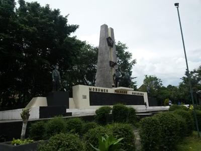 Panjang Ambarawa Monumen Palagan Digunakan Pertempuran Terdapat Area Menarik Pesawat