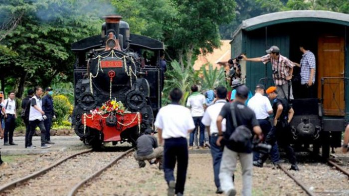 Museum Kereta Api Ambarawa Naik Lintasi Pemandangan Gunung Beli Tiketnya