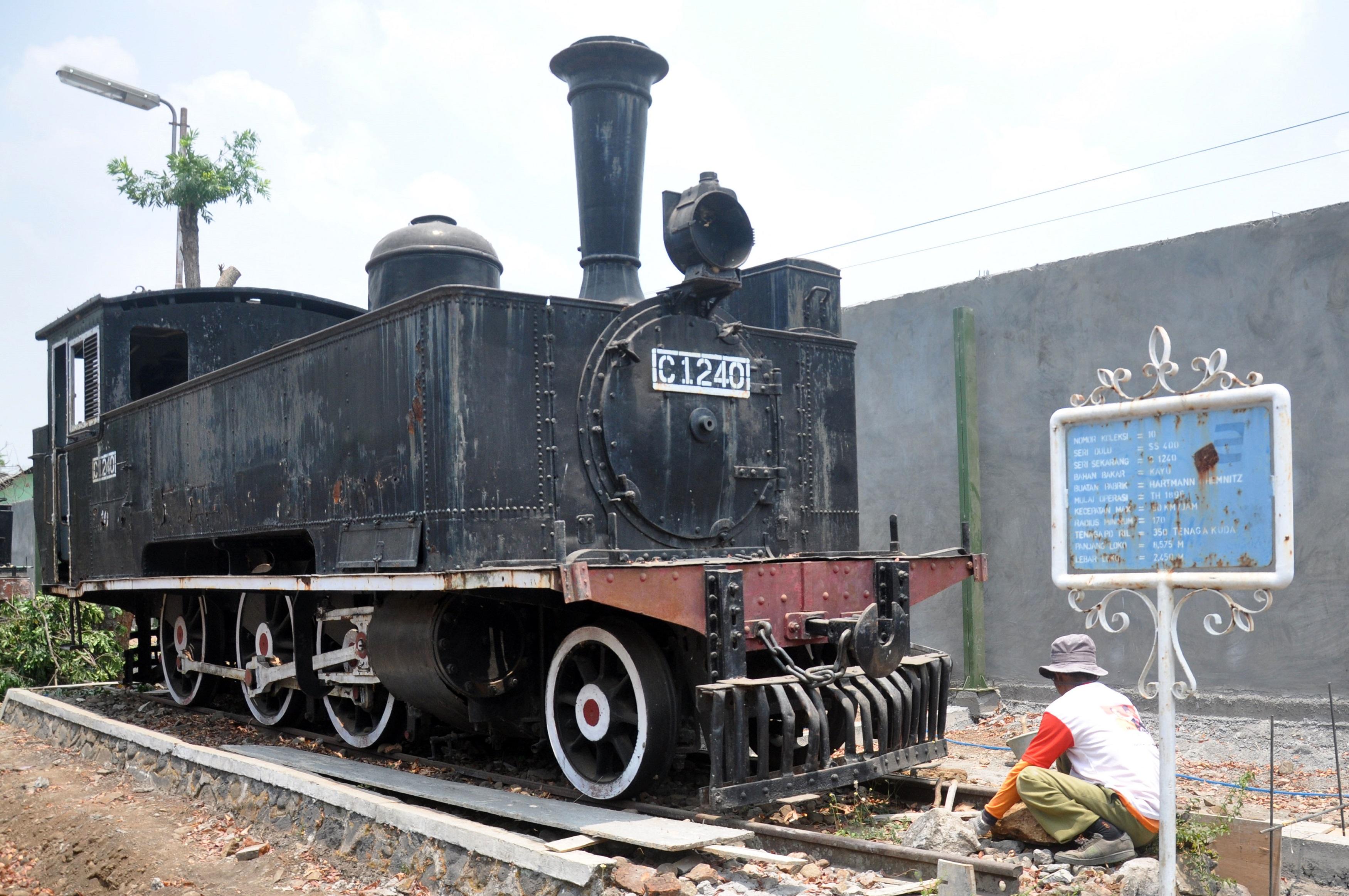Perbaikan Taman Museum Kereta Api Berita Daerah Ambarawa Kab Semarang