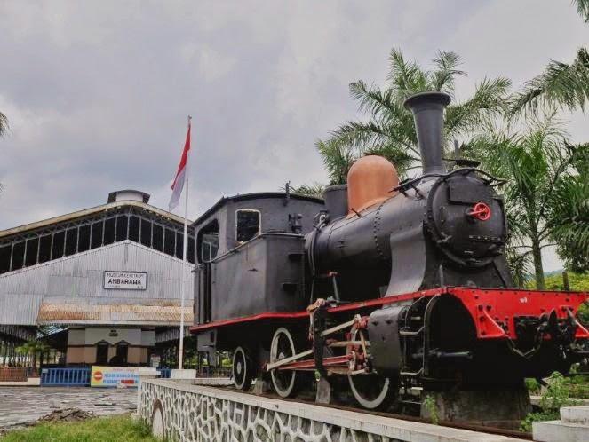 Stasiun Kereta Uap Ambarawa Anita Museum Api Terletak Jalan Setasiun