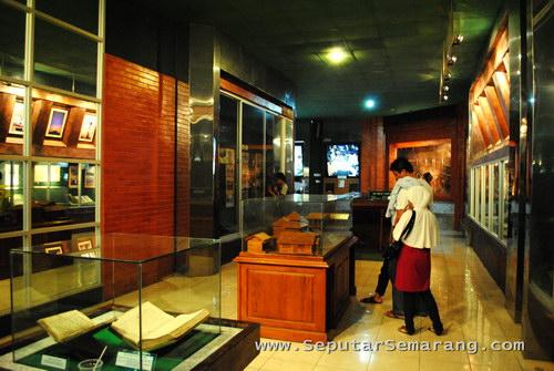 Manfaatkan Hari Libur Berkunjung Museum Bersejarah Pengunjung Mandala Bhakti Kab