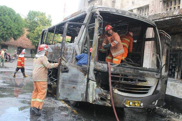 Piknik Ludes Terbakar Museum Mandala Bhakti Bus Kab Semarang