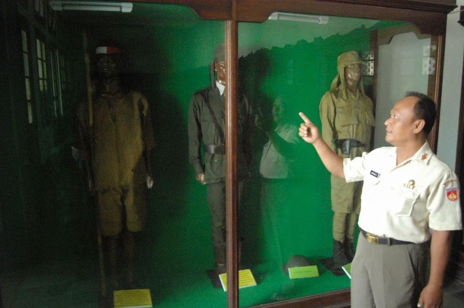 Ryo Crazy Journalist Museum Mandala Bhakti Semarang Potret Kodam Iv