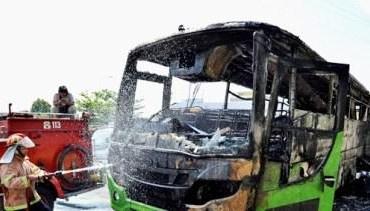 Bus Dedy Jaya Terbakar Halaman Museum Perjuangan Semarang Berita Sebuah