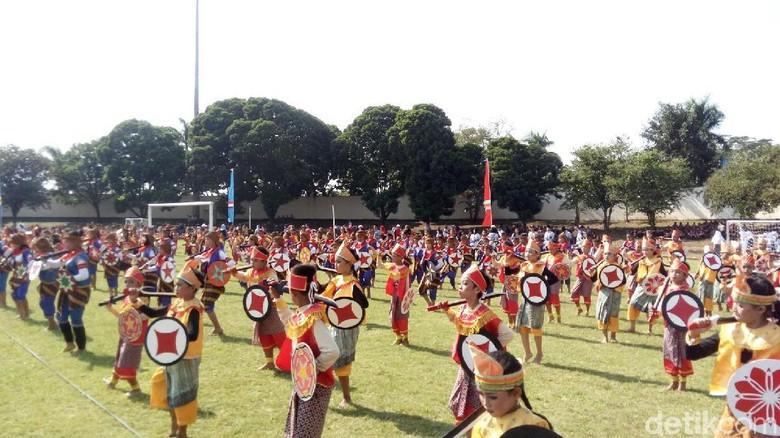 Ribuan Siswa Sd Semarang Menari Keprajuritan Hardiknas Museum Polri Kab