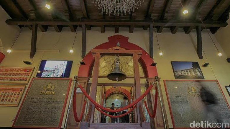 Sejarah Bangunan Polrestabes Surabaya Museum Polri Kab Semarang