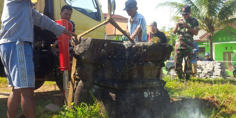 Yoni Kuno Bawen Gagal Dipindahkan Museum Kompas Polri Kab Semarang