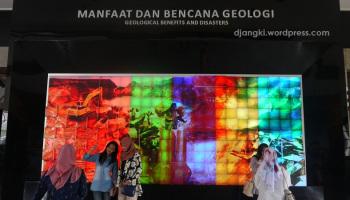 Puspa Iptek Jam Matahari Terbesar Dunia Djangki Kenangan Museum Geologi