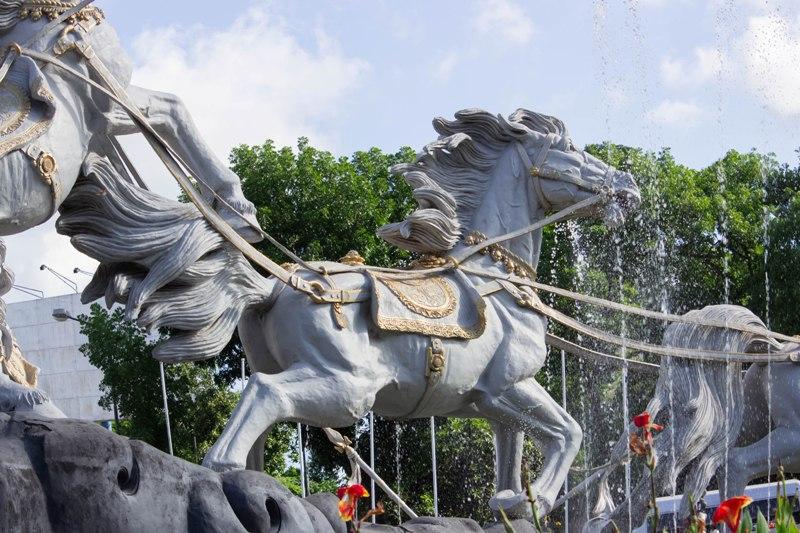Indonesia Patung Kuda Ghatotkacha Beautifully Depicted Garuda Sheshnag Pura Giri