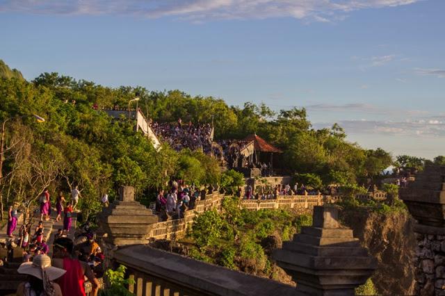Indonesia Pura Uluwatu Temple Bali Interesting Cover Legs Visitors Wear
