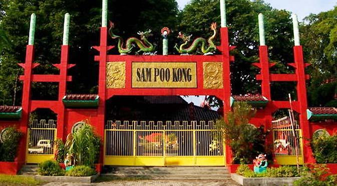 Tempat Wisata Mari Main Semarang Gerbang Sam Poo Kong Pura