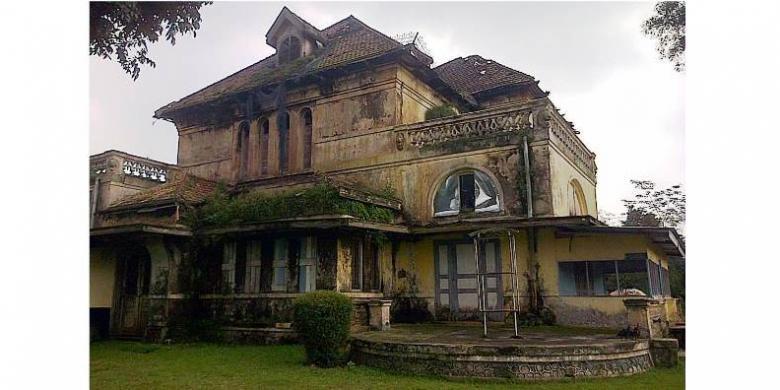 Kembali Melalui Gedung Kuning Kota Ungaran Antara Pt Kai Tni