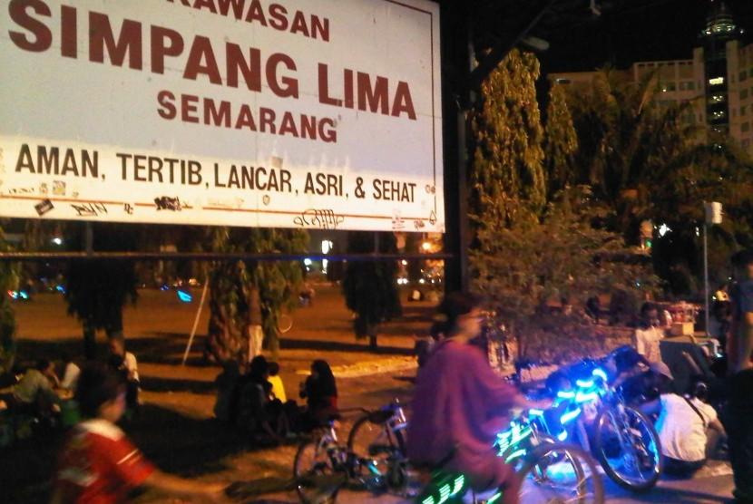 Berkeliling Simpang Lima Sepeda Cahaya Republika Online Semarang Kab