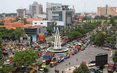 Ratusan Truk Blokade Gubernuran Radarsemarang Macet Total Memblokade Jalan Pahlawan