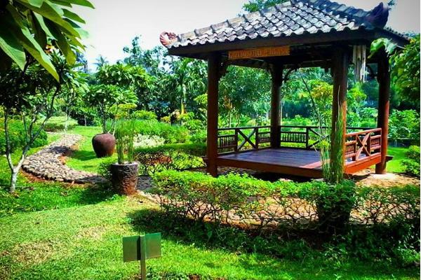 Traveling Sehat Bugar Taman Djamoe Indonesia Semarang Kab