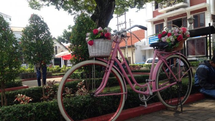 Enam Spot Foto Ngehit Taman Srigunting Semarang Nyesel Sepeda Pink