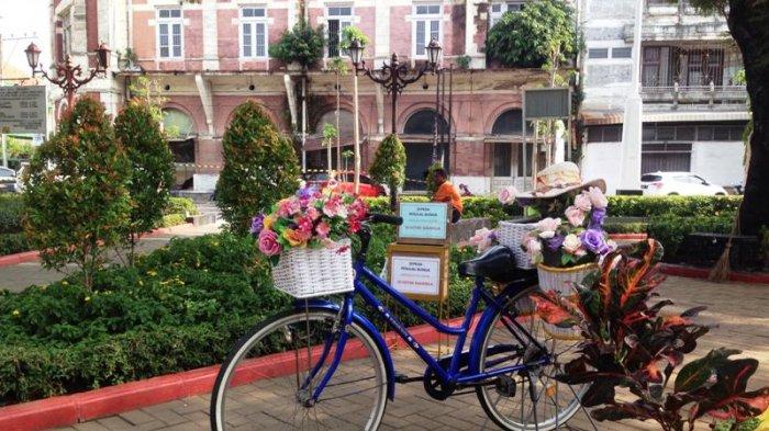 Enam Spot Foto Ngehit Taman Srigunting Semarang Nyesel Sepeda Ungu