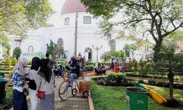 Full Review Menikmati Ademnya Taman Srigunting Kota Semarang Suasana Kab