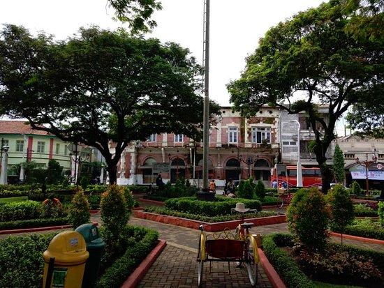 Nice Srigunting Garden Picture Taman Semarang Kab