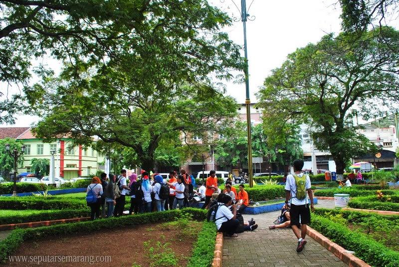 Taman Srigunting Kota Semarang Parade Plein Kab