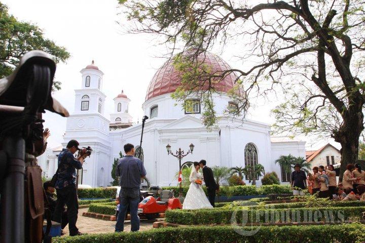 Taman Srigunting Tempat Favorit Foto Prewedding 3 1024532 20140217 091335
