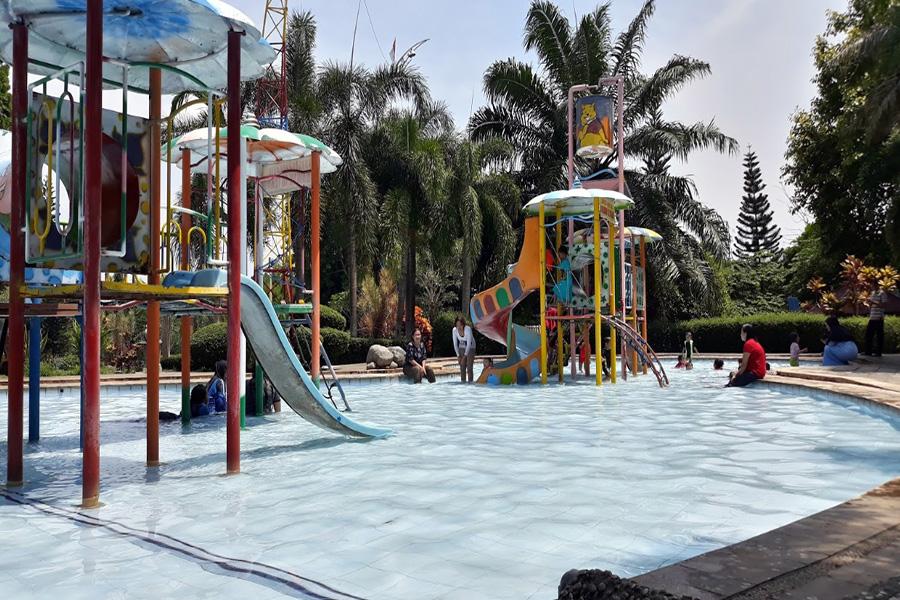 90 Tempat Wisata Semarang Menarik Wajib Dikunjungi Fountain Waterpark Water