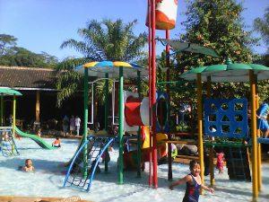 Fountain Salah Satu Wahana Permainan Air Ungaran Jatengku Kolam 30cm