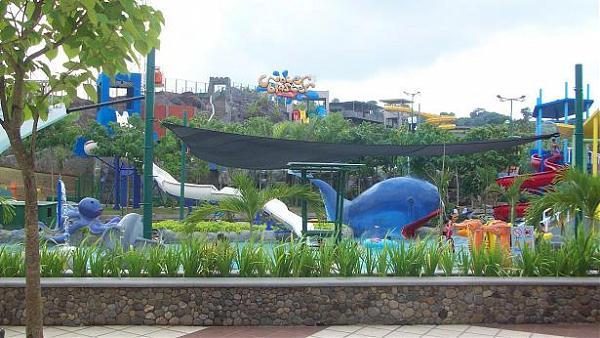 Hotel Sekitar Daerah Water Blaster Graha Candi Golf Semarang Fountain