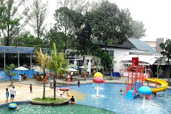 Obyek Wisata Fountain Water Park Semarang Jawa Tengah Daya Tarik